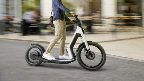 Elektrikli Scooter'lara Plaka ve Ücret Düzenlemesi Geliyor