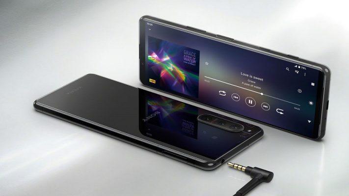 Sony Xperia 5 II'yi Duyurdu
