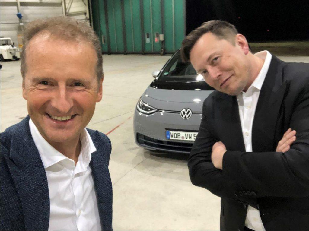 VW CEO'su ve Elon Musk ID.3 ile