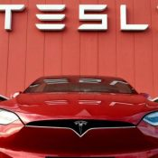 Elon Musk, 1000 km Menzile Sahip Batarya Üstünde Çalıştıklarını Söyledi