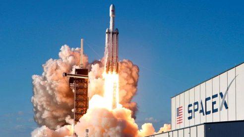 SpaceX, Falcon 9'la Yeni Bir Rekora İmza Attı