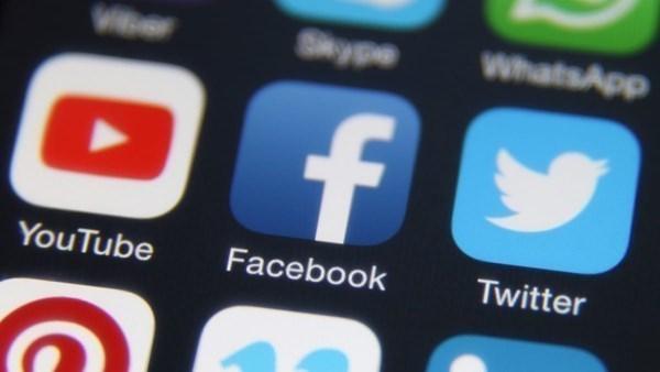 Rusya Facebook, Twitter ve YouTube ile Yollarını Ayırabilir